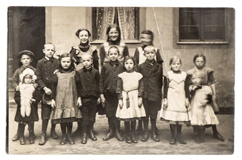 Family History Group Shutterstock image
